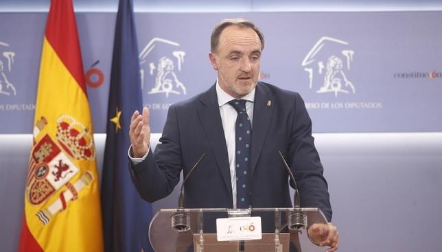 """UPN no apoyará a Sánchez si """"va de la mano de Otegi"""" Europa Press"""