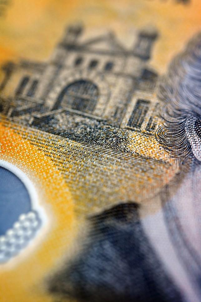 Los billetes de 50 dólares australianos suspenden ortografía
