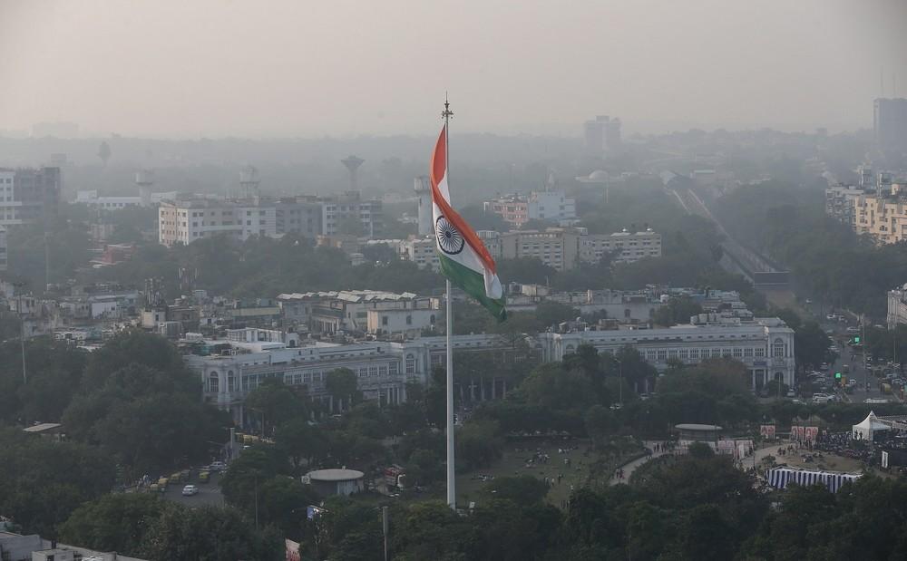Nueva Delhi impone restricciones viales por contaminación
