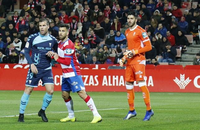 Rui Silva, guardameta portugués del Granada, durante su partido contra el Albacete en Los Cármenes. Josema Moreno (Masquealba.com)