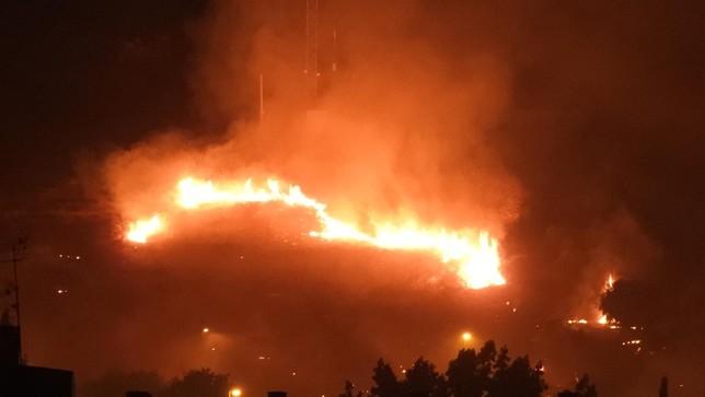 Incendios de pasto y coches en Puertollano