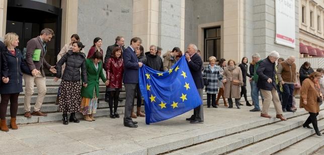 La Universidad Isabel I enarbola la bandera de Europa