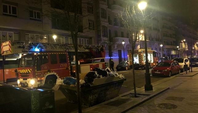 Los Bomberos sofocan un incendio en la discoteca La Electra @PoliciaVLL