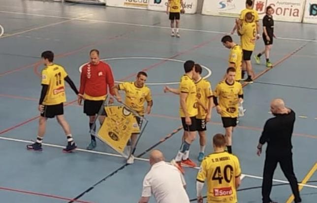 'Litos' cuelga la camiseta tras 19 años en Balonmano Soria