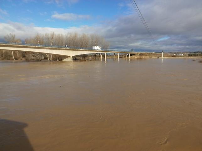 Preemergencia en torno al Ebro por posibles inundaciones