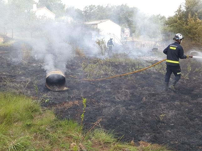 Una barbacoa provoca un incendio en Modúbar de la Emparedada