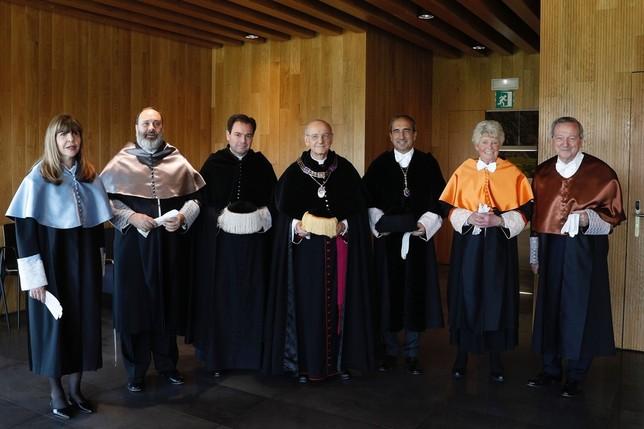 Moneo, Archer, Picard y Fine, doctores 'honoris causa'