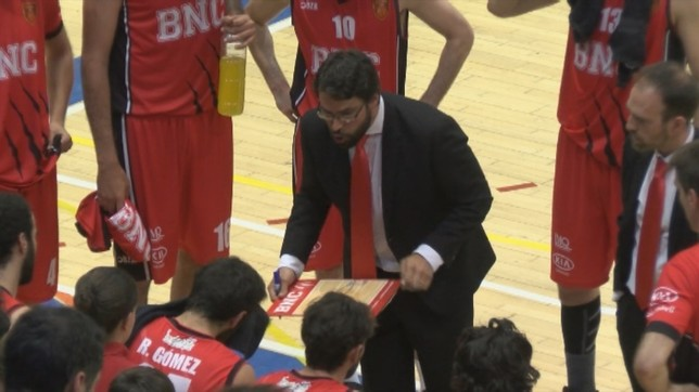 Xabi Jiménez continuará al frente de Basket Navarra