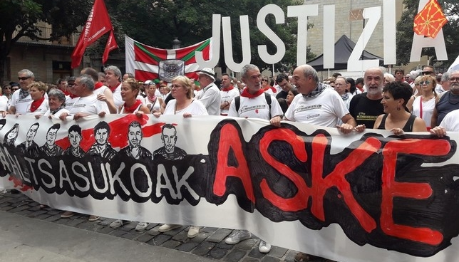 Piden en San Fermín la libertad de los condenados de Alsasua