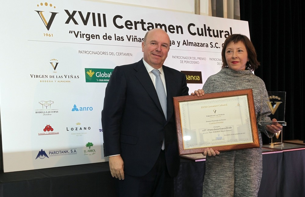 Méndez Pozo recibe la insignia de oro de Virgen de las Viñas