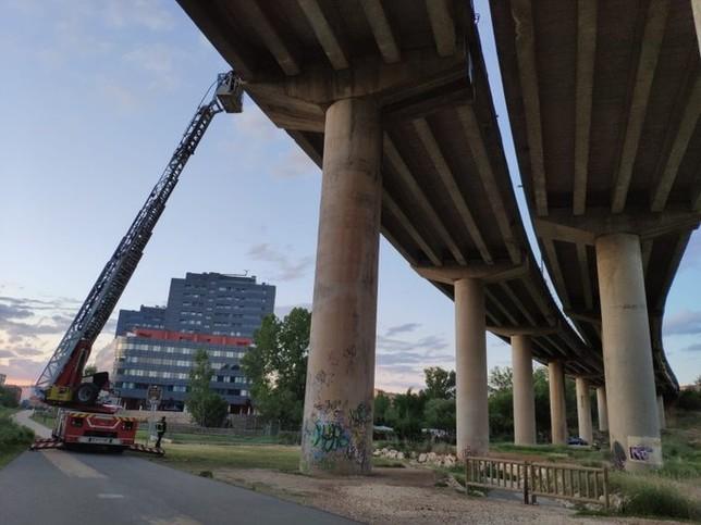 Revisión del viaducto de la BU-11. @BomberosBurgos