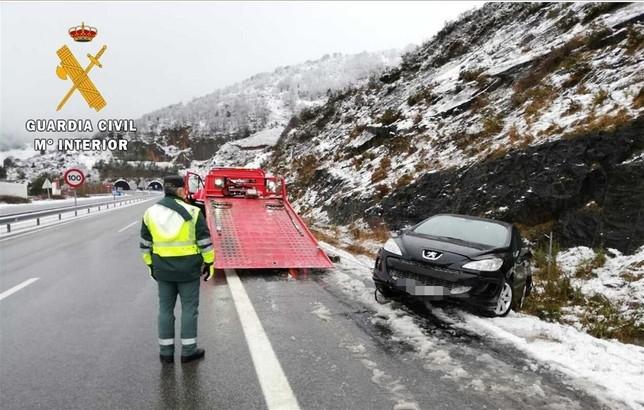 Accidente sin heridos en la autovía a causa del mal tiempo