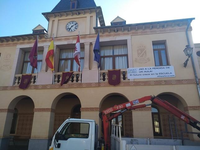 Movilización vecinal por el cierre de un aula en Bernardos