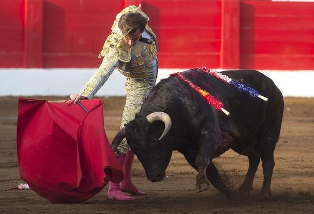 José Fernando Molina triunfa en Santander pese a sufrir