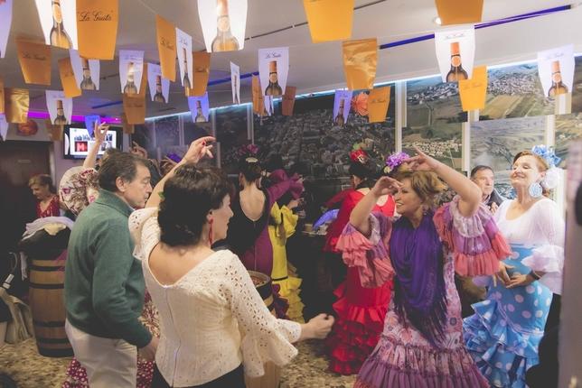 Baile, volantes y palmas en la IV Feria Rociera de Briviesca