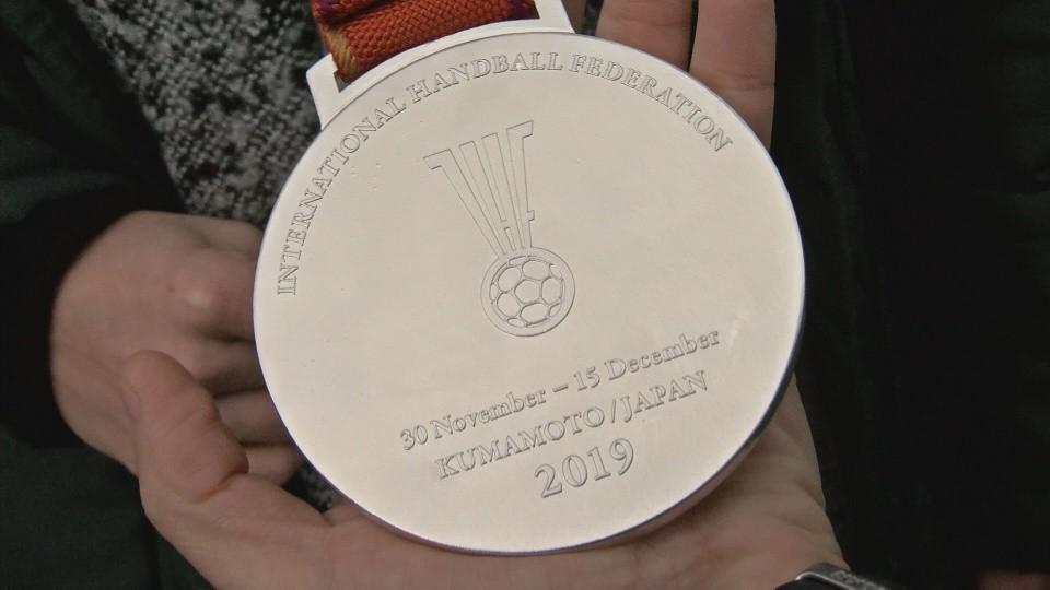 La jugadora navarra ha sido partícipe del mayor éxito en la historia del balonmano femenino nacional