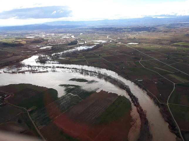 El Ebro se desborda a su paso por Navarra