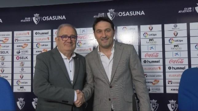 El presidente de Osasuna, Luis Sabalza, y el director deportivo, Braulio Vázquez, en la rueda de prensa de este jueves NATV