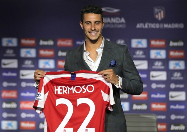 Mario Hermoso ya es rojiblanco