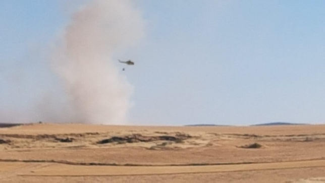 Cortan la N-420 entre Corral y Poblete por un fuego agrícola