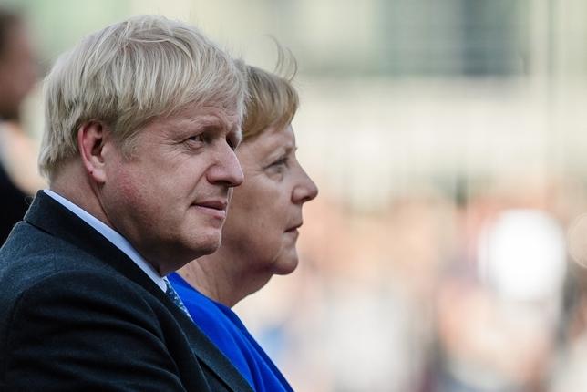 Merkel exige alcanzar un acuerdo para el Brexit en 30 días