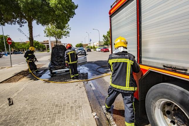 Arde un coche en el Polígono Industrial Avanzado