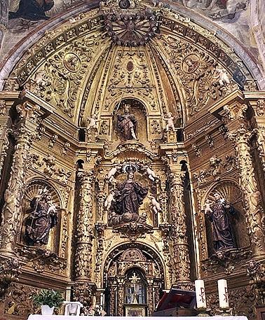 Vista general del retablo.