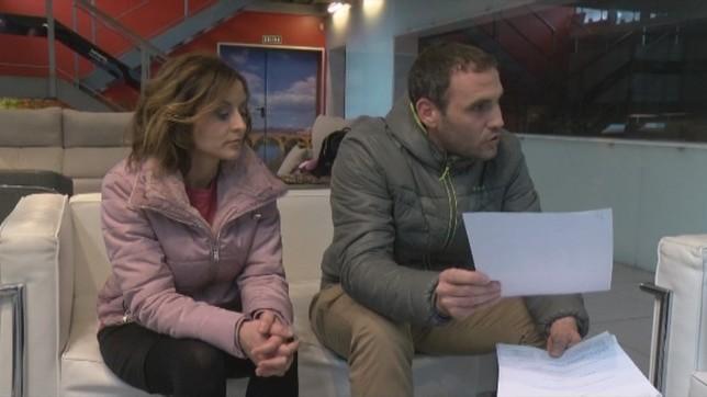 Los padres de Izan piden a Salud un medicamento para su hijo