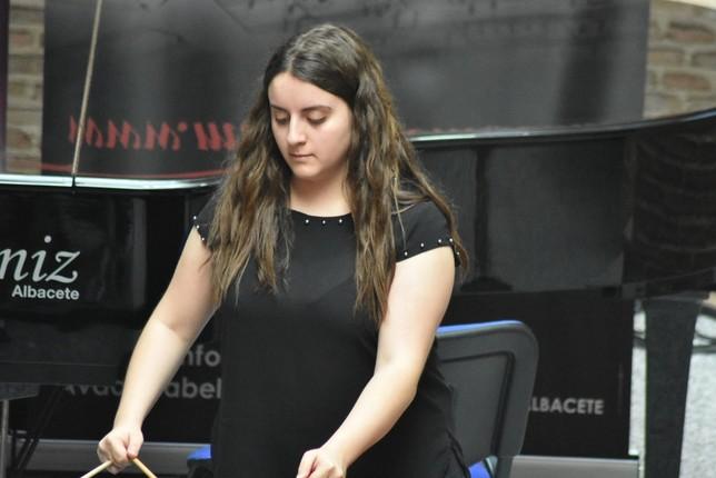 Isabel Zaragoza y Cecilia Novella triunfan en Iniesta