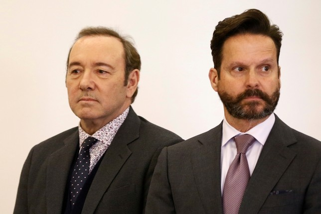 Retiran los cargos por agresión sexual contra Kevin Spacey