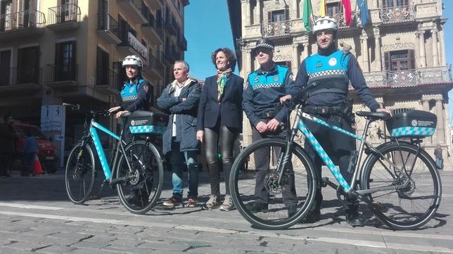 Policía Municipal se sube a la bici en Pamplona