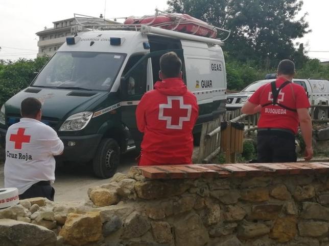 Un equipo de Cruz Roja ha apoyado a los GEAS de la Guardia Civil en la búsqueda.