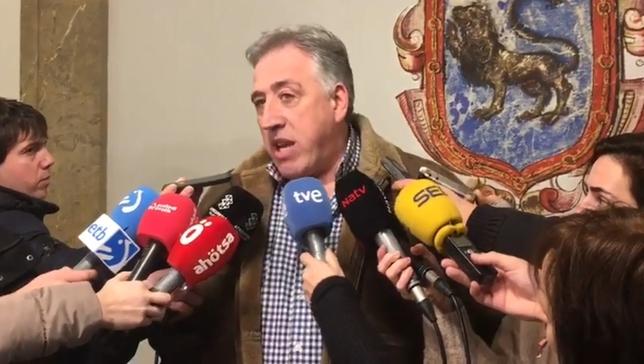 Joseba Asirón atiende esta tarde a los medios de comunicación Javi Ortega