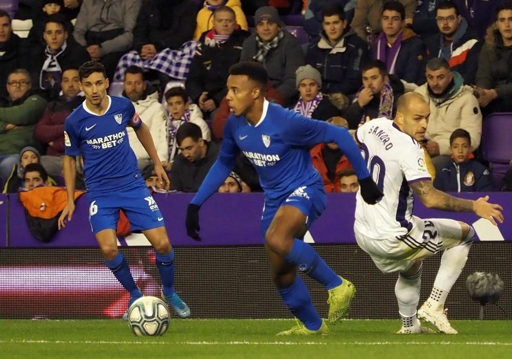 El Sevilla gana en Zorrilla con un penalti repetido