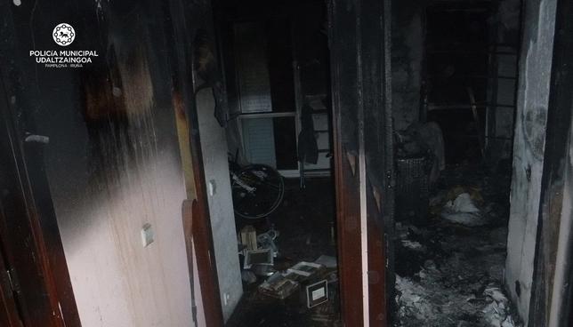 Desalojan varias viviendas en la Rotxapea tras un incendio Policia Municipal