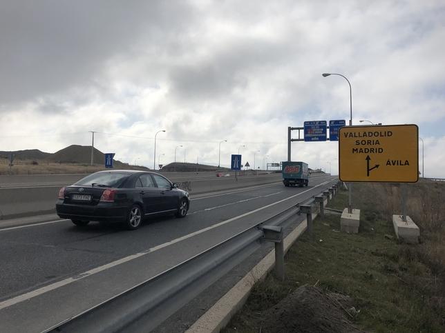 Reabre la salida a Madrid pero cierra la entrada a Segovia