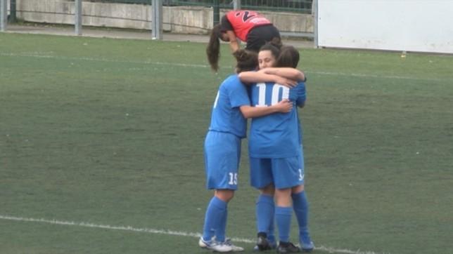 Berriozar celebra uno de los cuatro goles que le marcó a Mulier en el derbi navarro que protagonizaron