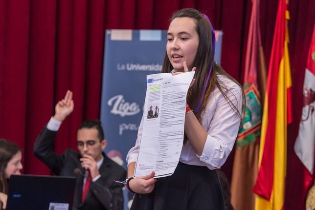 Las alumnas del Mendoza ganan la Liga de Debate de la UBU