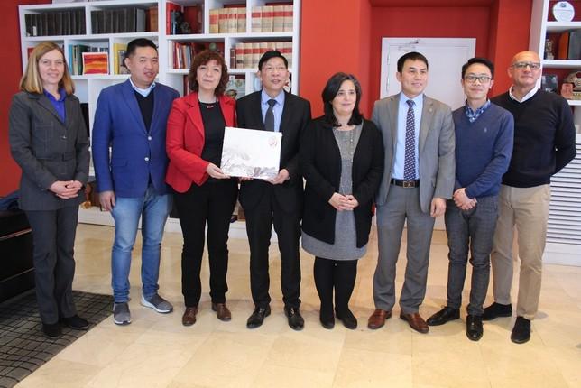 Empresarios chinos se interesan por el potencial de Alcázar