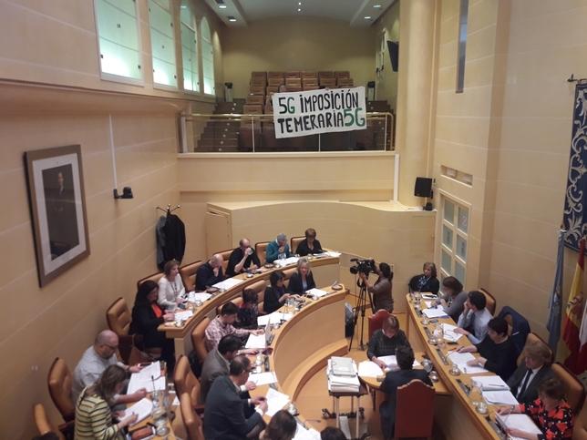 Protesta de la Plataforma Stop 5G Segovia en el pleno de hoy V.D.B