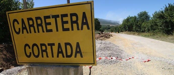 Imagen de la carretera cortada.