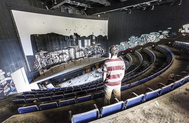 Sala de cine que formaba parte del complejo.