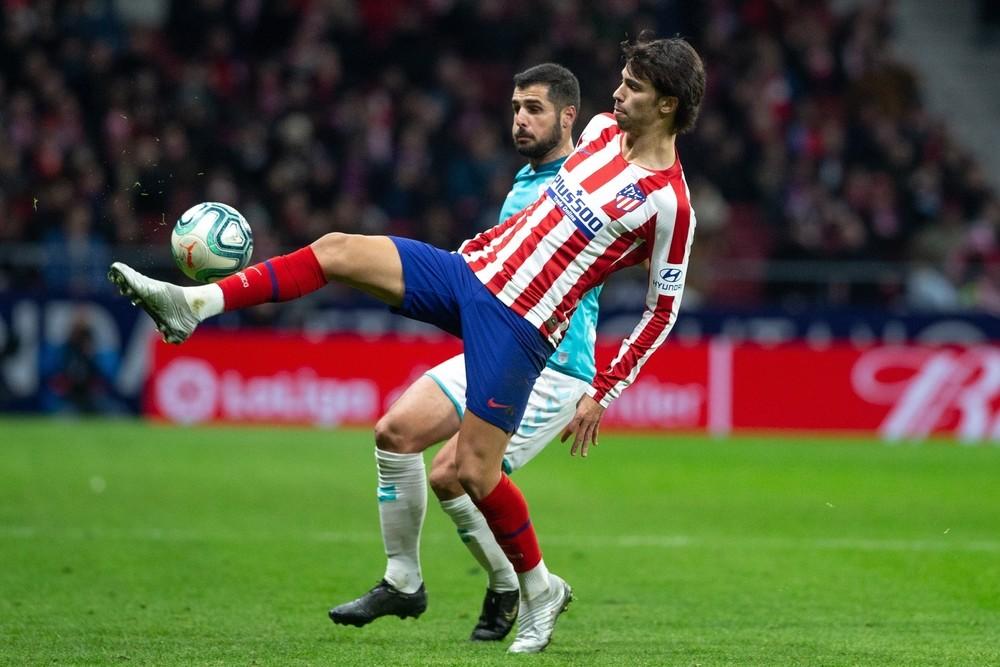 El Atlético se quita las penas con Osasuna