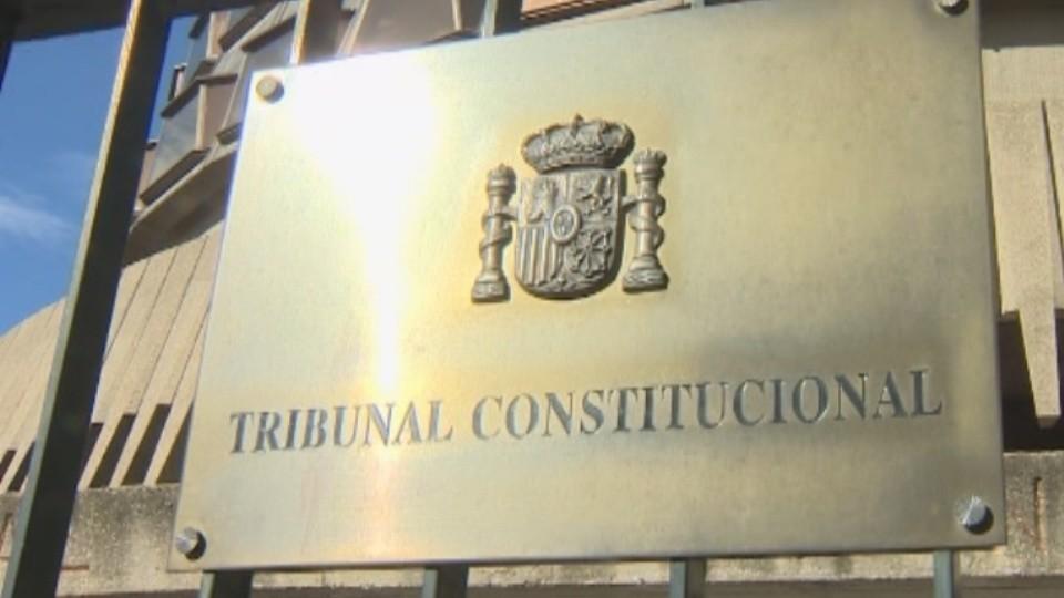El TC admite los recursos contra la ley de abusos policiales