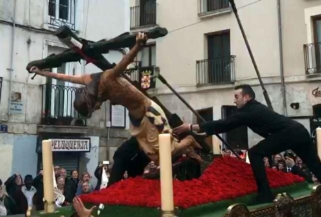 La talla del Cristo de las Gotas se cae en San Gil