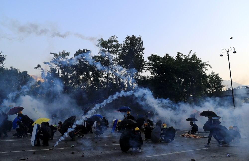 Miles de personas desafían en Hong Kong los avisos de Pekín