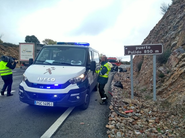 Guardia Civil en el lugar del accidente.  LT