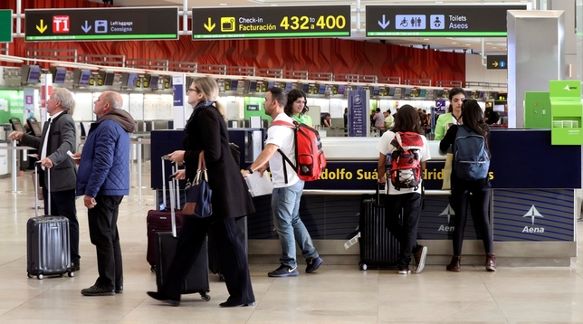 Air Nostrum cancela 148 vuelos por la huelga de pilotos Kiko Huesca