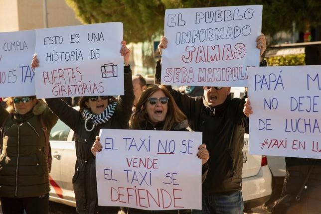 Madrid propone una distancia mínima para pedir una VTC Rodrigo Jimenez