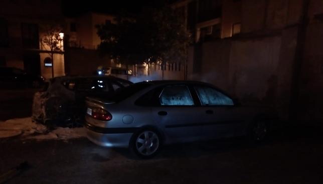 Extinguen tres contenedores y dos coches en Valtierra Bomberos de Navarra